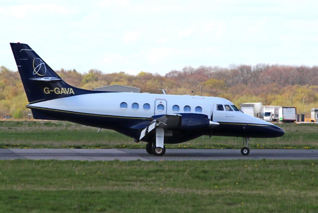 LinksAir Jetstream 31, G-GAVA<br /> By Clive Featherstone.