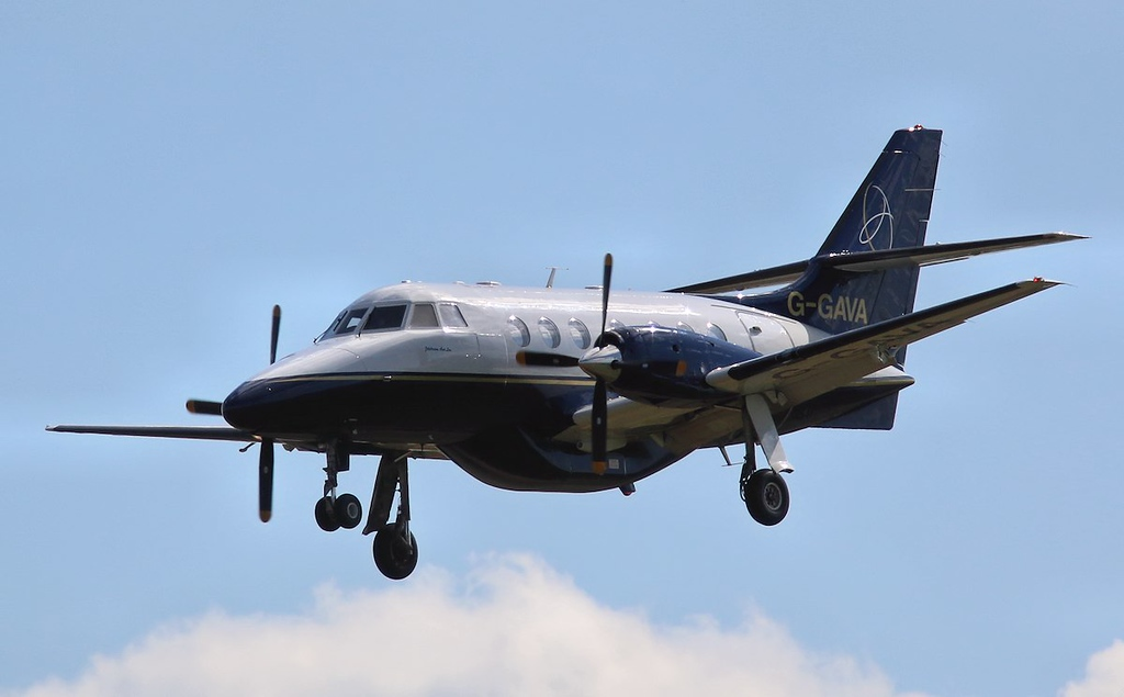LinksAir Jetstream 31, G-GAVA heads in from Belfast (sorry about the frozen props!)<br /> By Correne Calow.