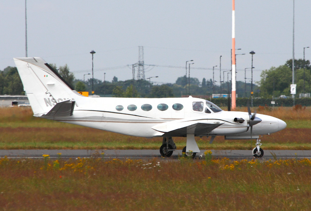 Cessna 425 Corsair, N90YA<br /> By Clive Featherstone.