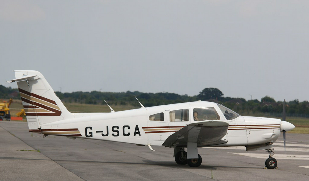 Piper PA28 Cherokee Arrow IV, G-JSCA returned home to Coventry early afternoon.<br /> By Correne Calow.