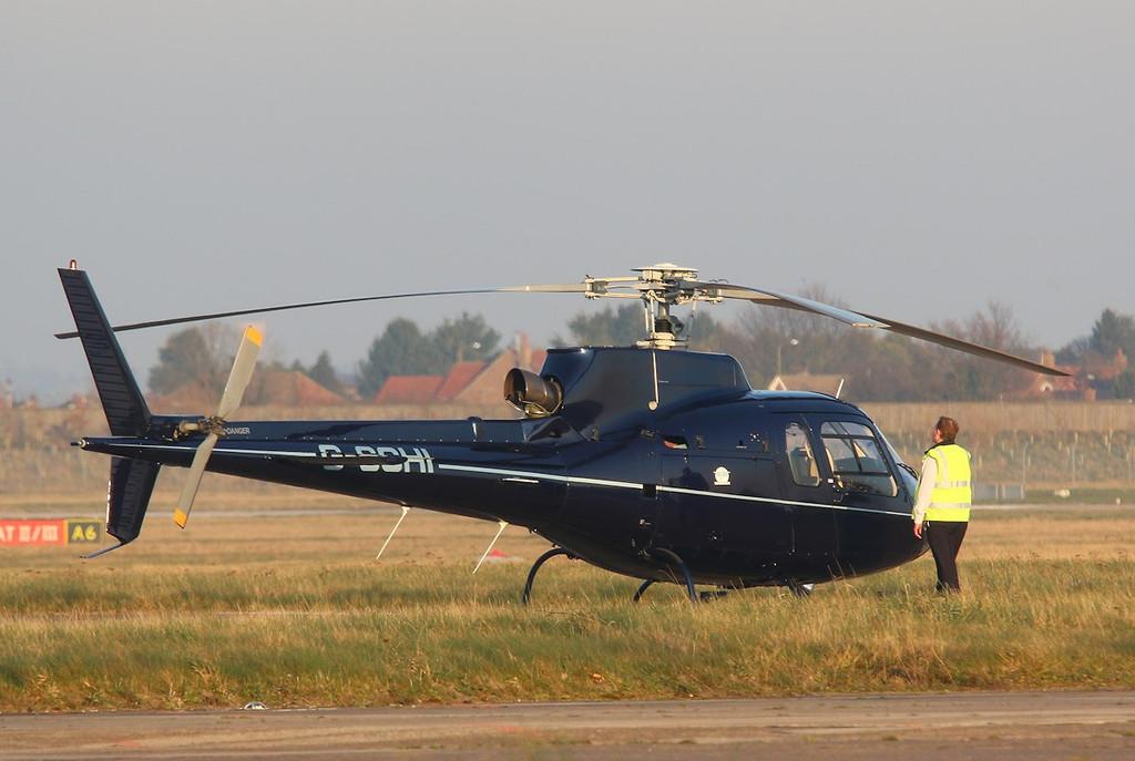 Patriot Aviation Ltd, Ecureuil AS350, G-SCHI<br /> By Correne Calow.