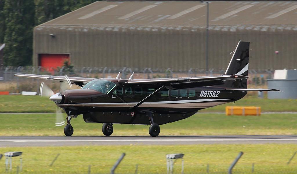 Cessna 208B Caravan, N81562.<br /> By Jim Calow.