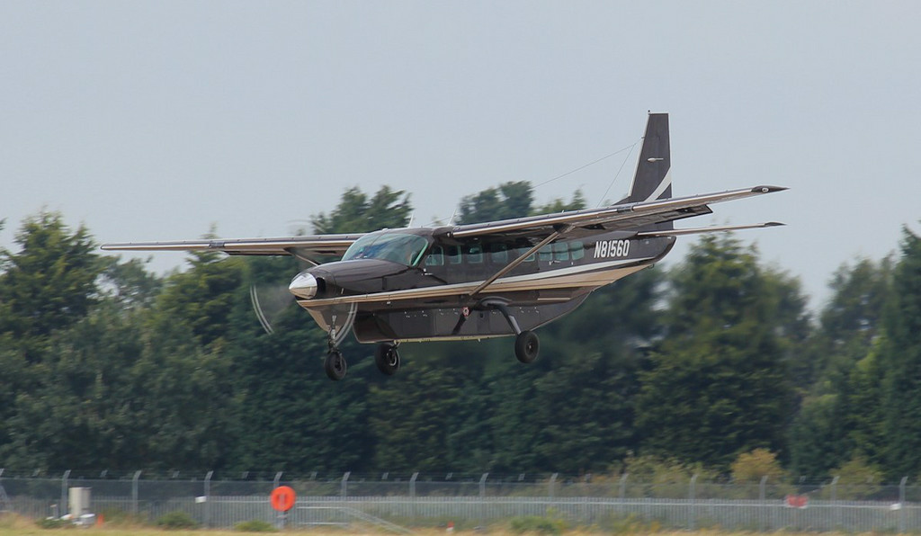 N81560 was the first of two Cessna 208B Caravans to arrive from Keflavik this afternoon.<br /> By Jim Calow.