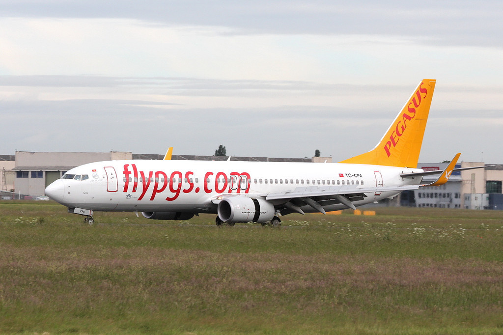 Pegasus Airlines, 737-800 TC-CPA.<br /> By Clive Featherstone.