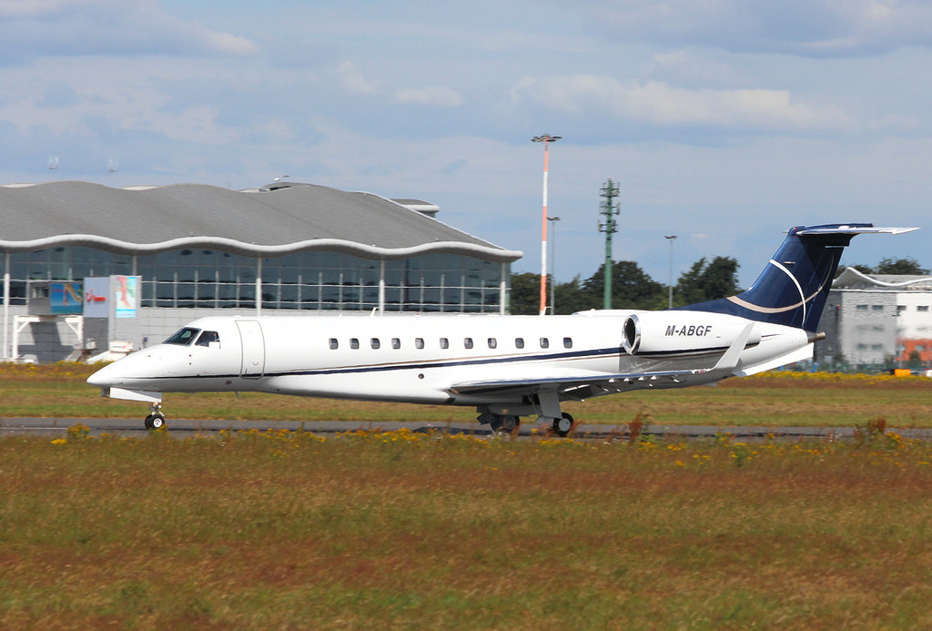 Gama Aviation EMB-135BJ Legacy 600, M-ABGF.<br /> By Clive Featherstone.