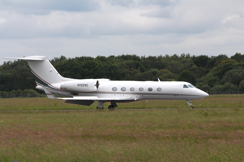 Gulfstream G450 N192NC arriving from Nice.<br /> By Clive Featherstone.