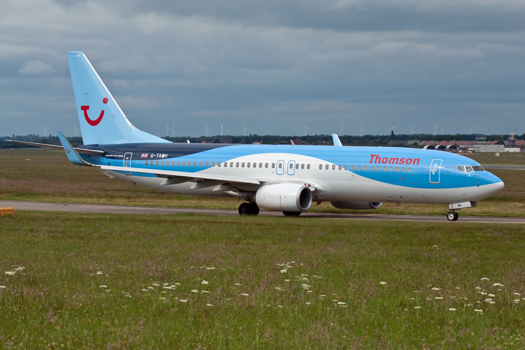 Thomson Airways 737-800 G-TAWH.<br /> By David Bladen.