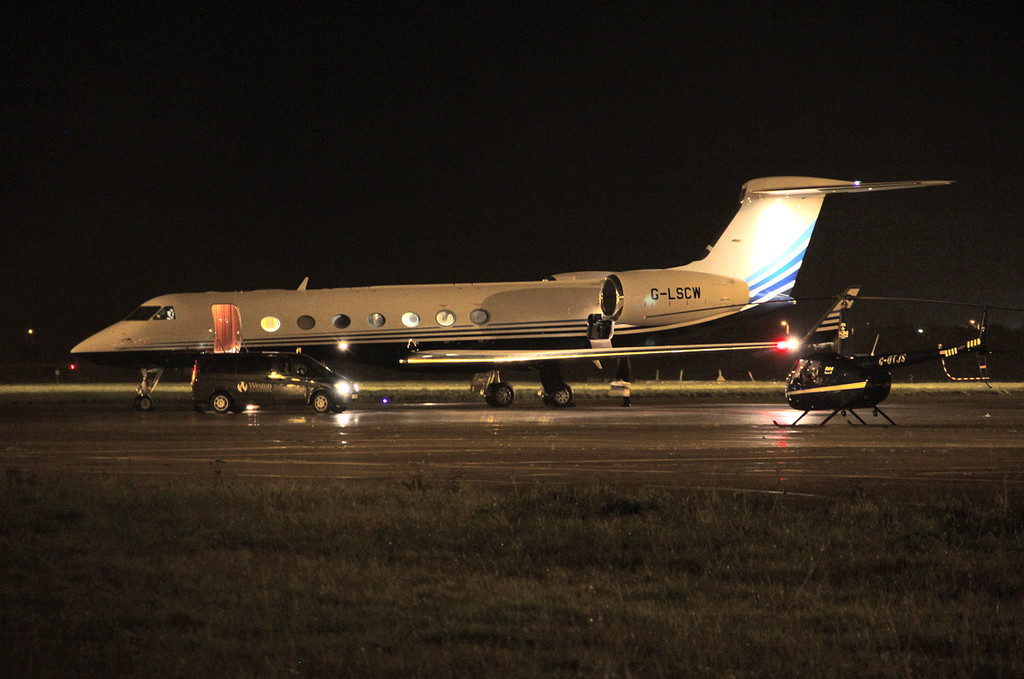 Tesco Stores, Gulfstream G550, G-LSCW.<br /> By Clive Featherstone.