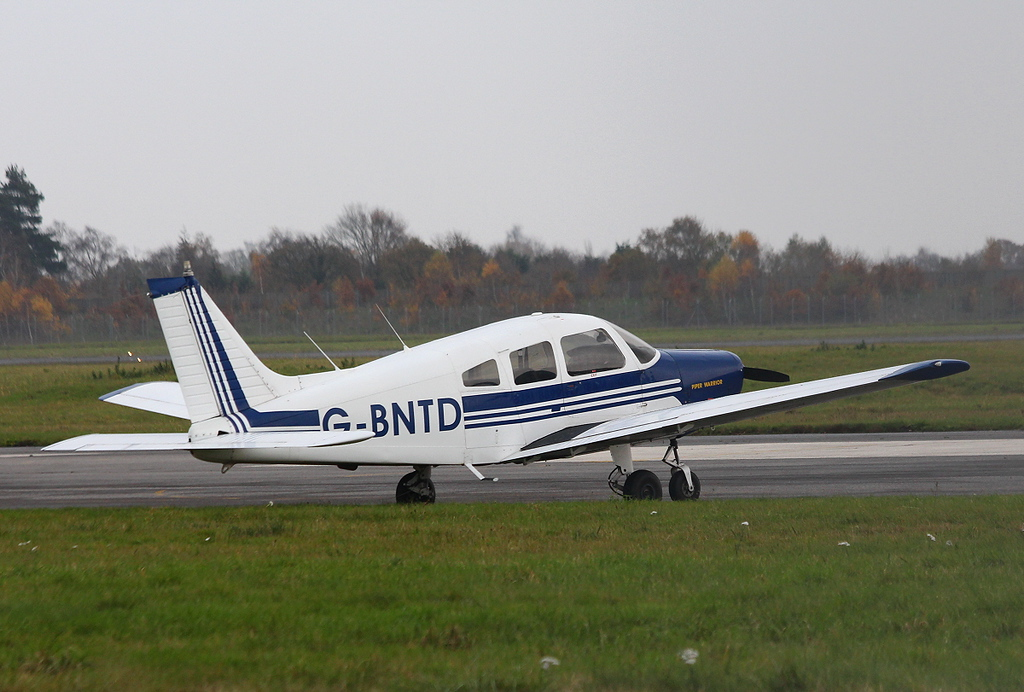 PA-28 Cherokee Warrior II, G-BNTD<br /> By Clive Featherstone.