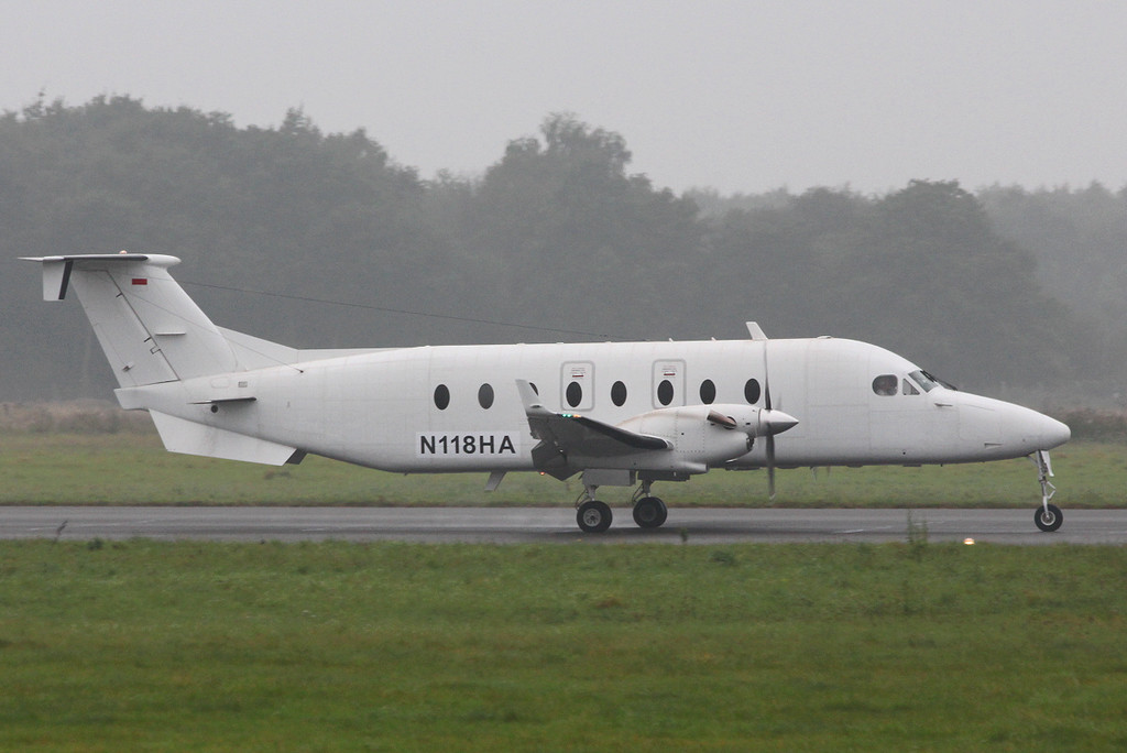 Hill Air Executive, Beech 1900D N118HA.<br /> By Clive Featherstone.