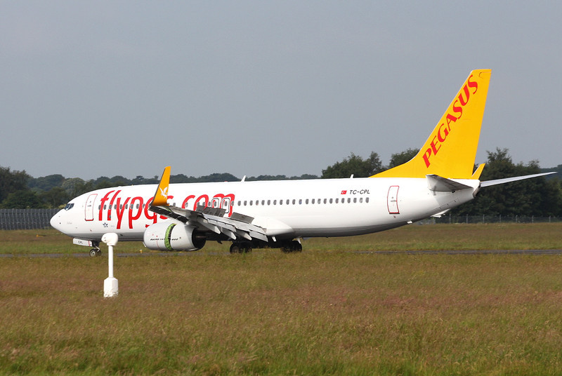 Pegasus Airlines 737-800 TC-CPL.<br /> By Clive Featherstone.