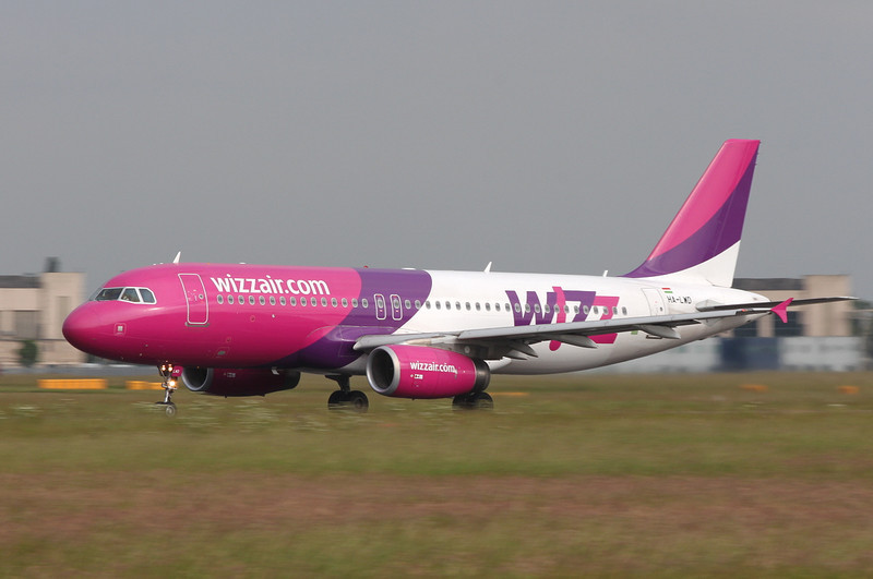 Wizz Air A320 HA-LWD.<br /> By Clive Featherstone.