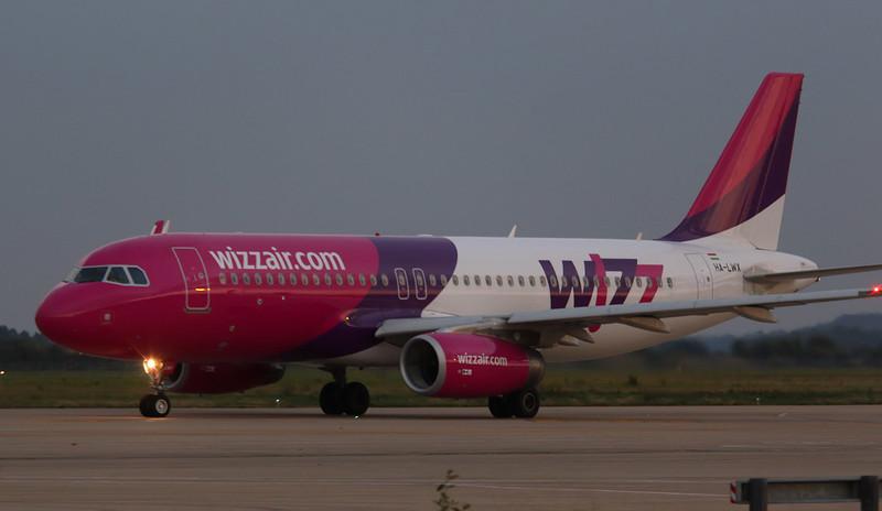 Wizz Air A320 HA-LWX.<br /> By Correne Calow.