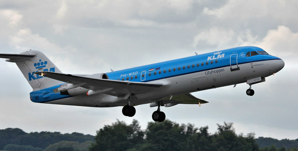 KLM Fokker 70 PH-WXD.<br /> By Steve Roper.