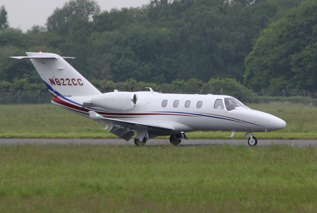 Cessna 525 CitationJet M2 N822CC.<br /> By Clive Featherstone.