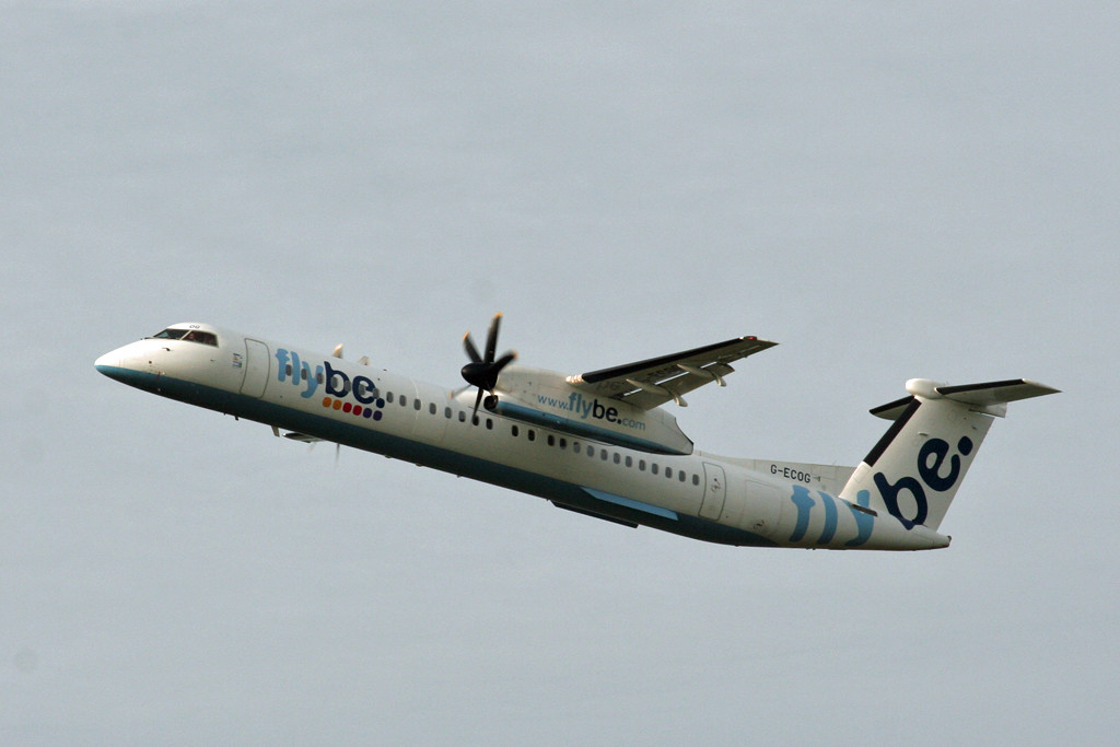 Flybe DHC-8-400 G-ECOG.<br /> By Graham Vlacho.