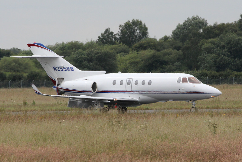 Hawker 850XP, N255RB<br /> By Clive Featherstone.