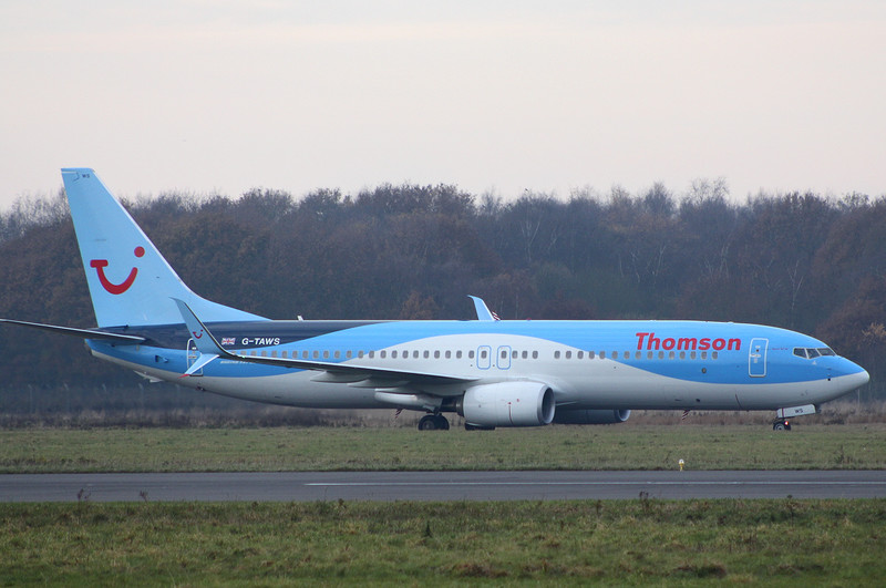 Thomson Airways 737-800 G-TAWS.<br /> By Clive Featherstone.