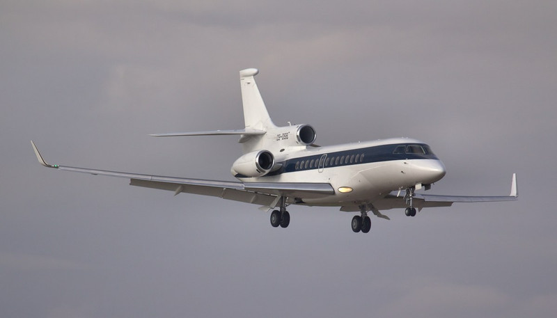 NetJets Dassault Falcon 7X, CS-DSB arrived just after 8am.<br /> By Jim Calow.