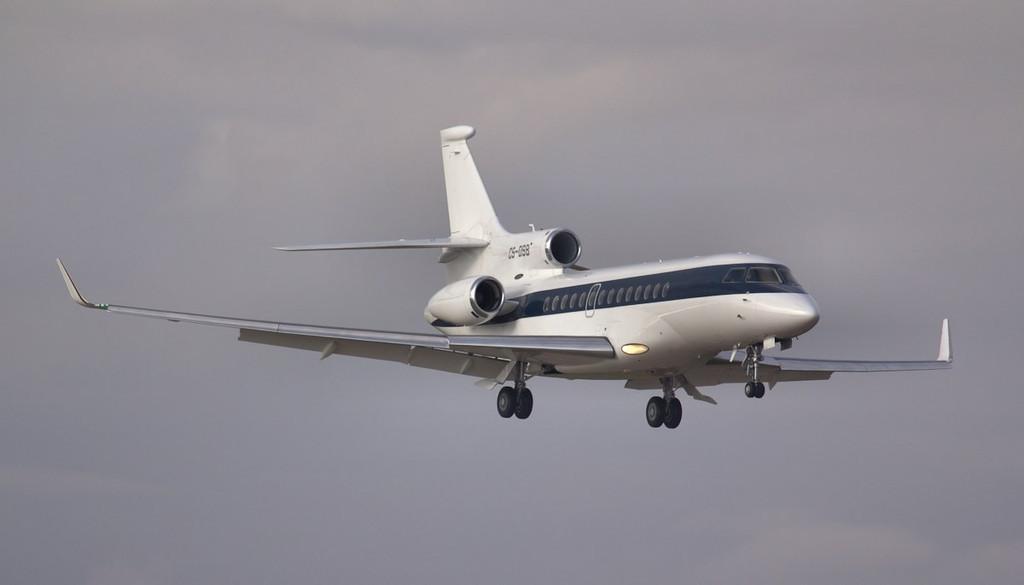 NetJets Dassault Falcon 7X, CS-DSB arrived just after 8am.<br /> By Jim Calow.