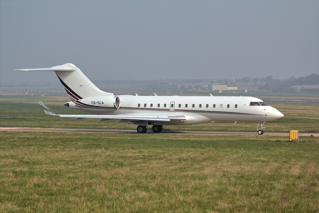 NetJets BD-700-1A10 Global 6000 CS-GLA departed to Luton just before midday.<br /> By Jim Calow.