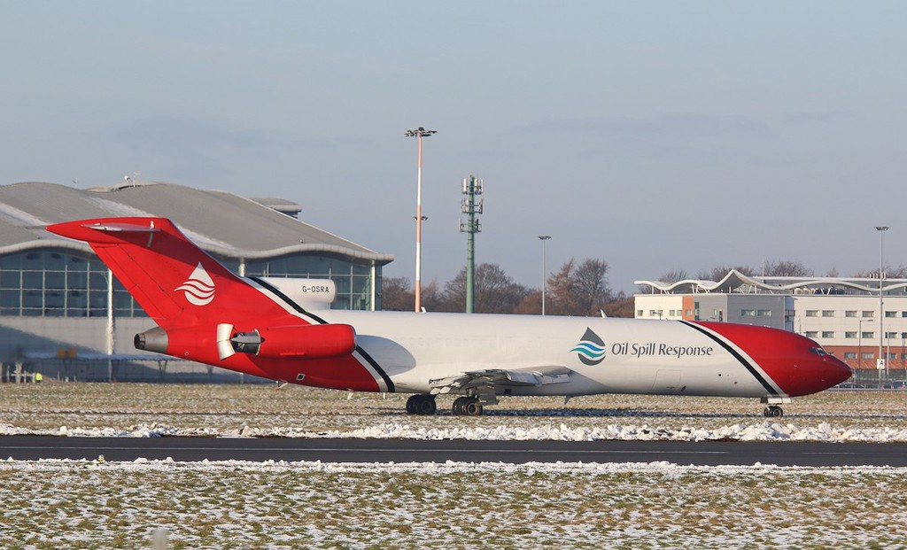 T2 Aviation, B722, G-OSRA<br /> By Correne Calow.