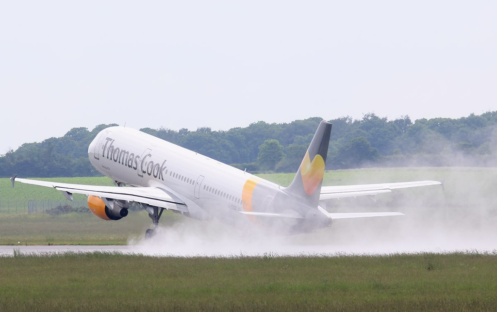 Thomas Cook A321, G-TCDZ<br /> By Jim Calow.