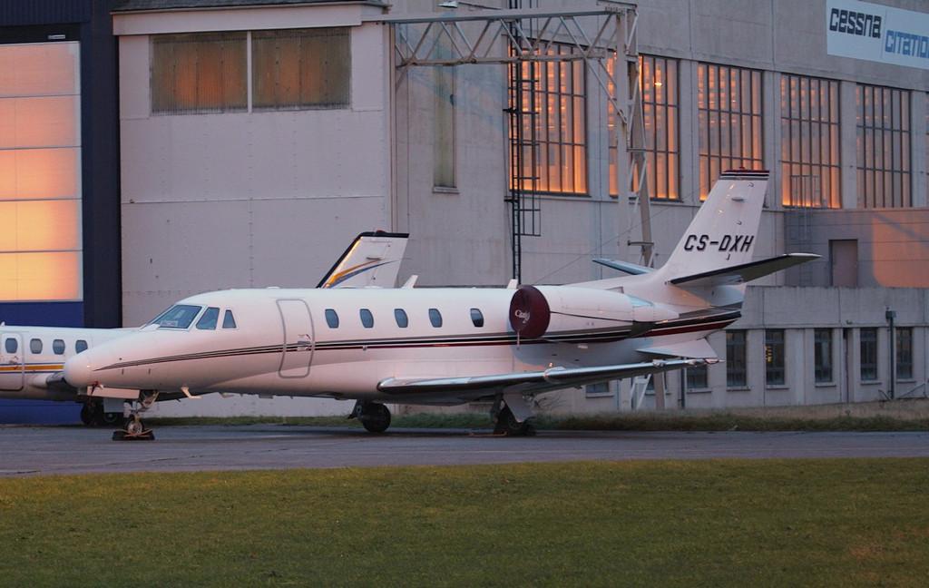 Netjets, Cessna 560XLS Citation Excel CS-DXH.<br /> By Jim Calow.