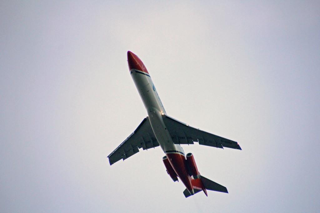 T2 Aviation, B722, G-OSRA<br /> By Graham Vlacho..