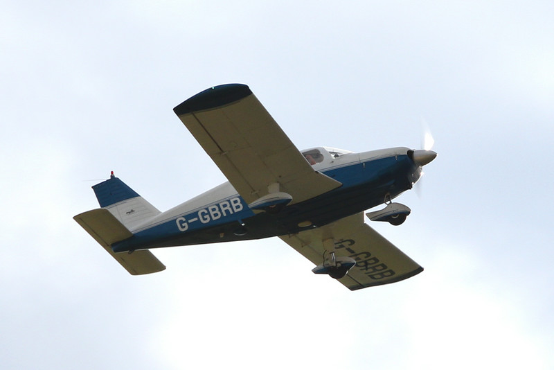 Piper PA28 Cherokee, G-GRRB<br /> By Clive Featherstone.