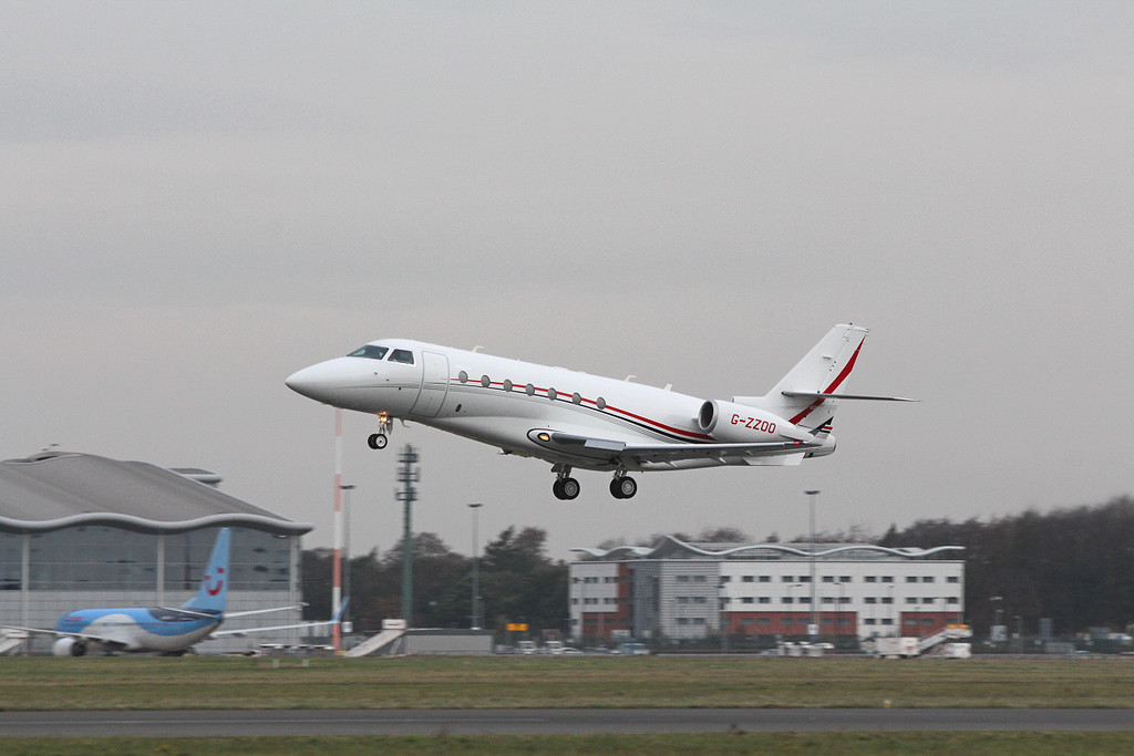 Pendley Aviation, Gulfstream G200, G-ZZOO<br /> By Clive Featherstone.