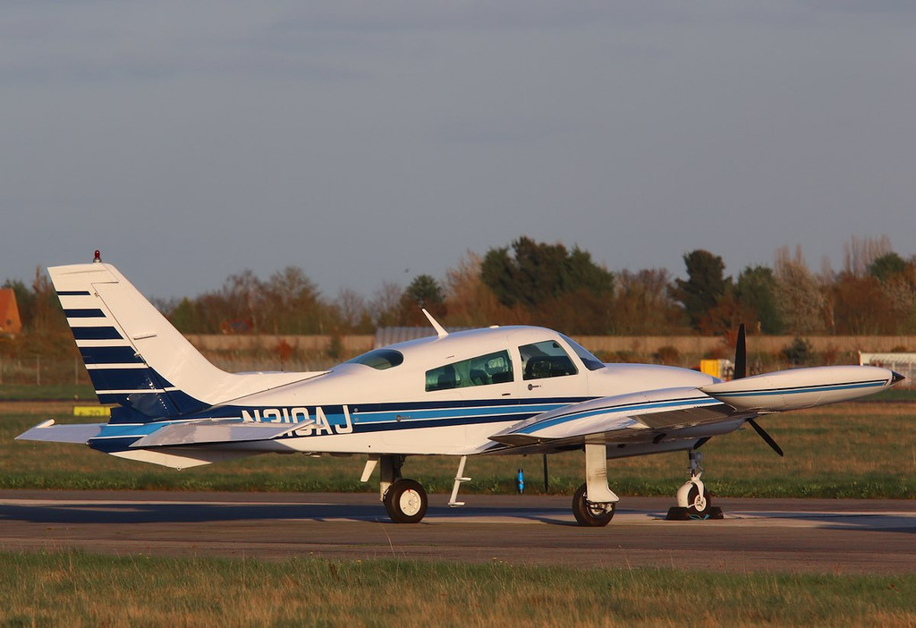 Cessna 310R N310AJ.<br /> By Correne Calow.