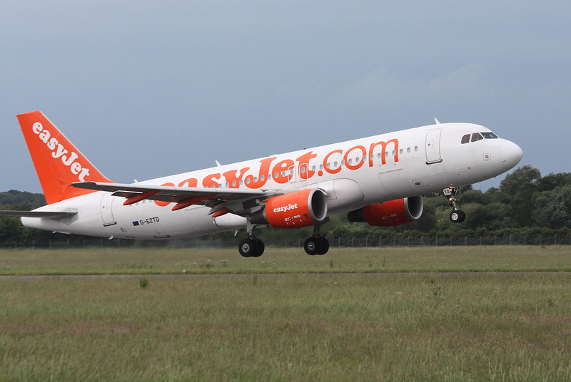 easyJet, A-320, G-EZTD<br /> By Clive Featherstone.