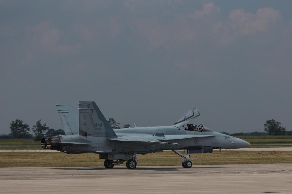 CF18 Hornet taxiing