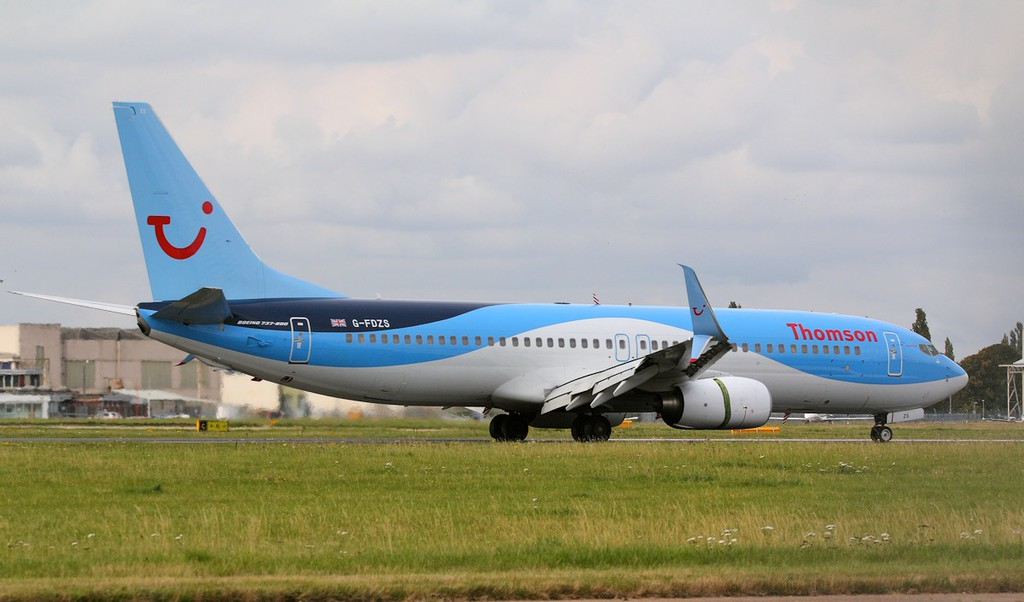 Thomson Airways 737-800, G-FDZS<br /> By Jim Calow.