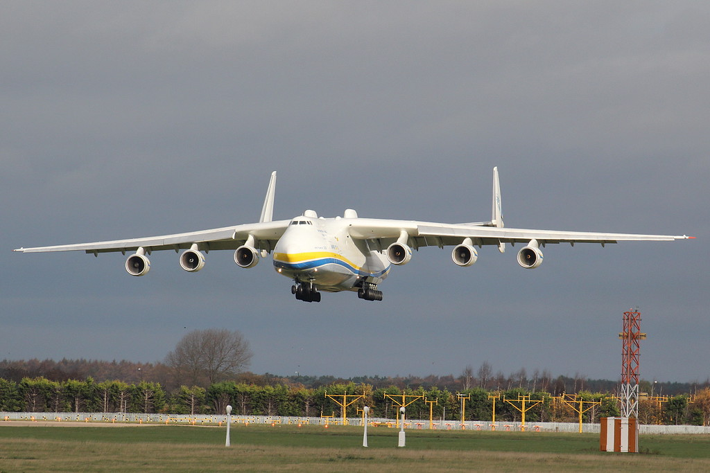 Antonov Airlines, An-225, UR-82060<br /> By Clive Featherstone.