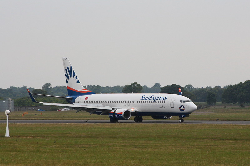 SunExpress 737-800 TC-SNP.<br /> By Clive Featherstone.