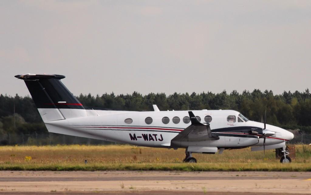 Beech B200GT King Air, M-WATJ.<br /> By Steve Roper.