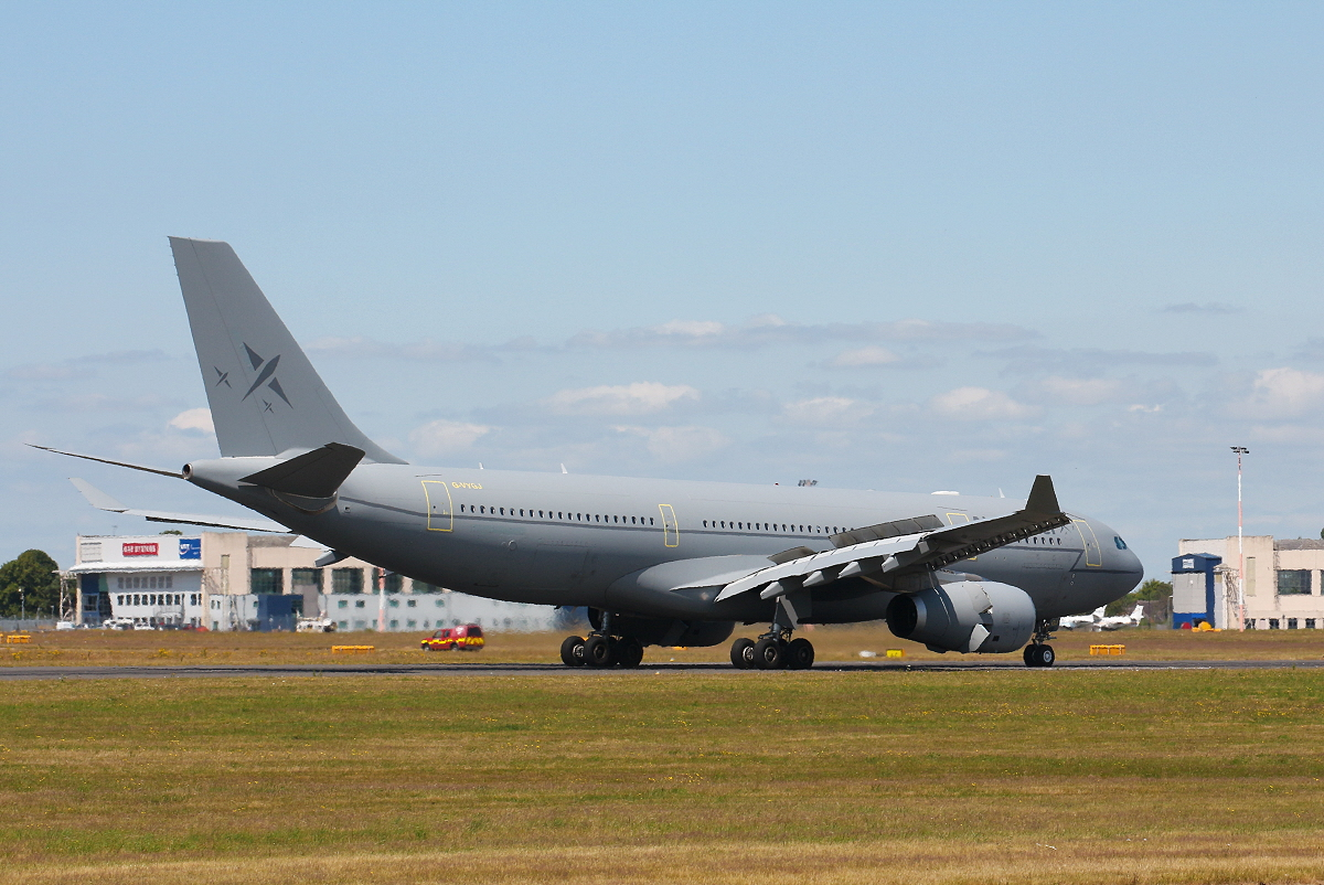 Air Tanker Ltd A330-243MRTT G-VYGJ.<br /> By Clive Featherstone.