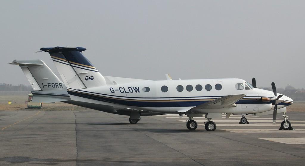 Clow Estates Ltd, Beech B200 Super King Air, G-CLOW.<br /> By Jim Calow.