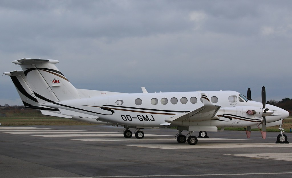Air Service Liège, Beech 350 King Air, OO-GMJ<br /> By Correne Calow.