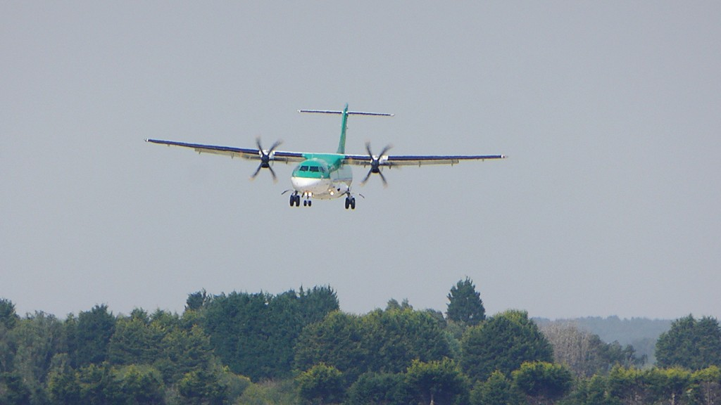 Stobart Air (aer Lingus) ATR-72 EI-FAT on approach to runway 20.<br /> By Kevin Barwell.