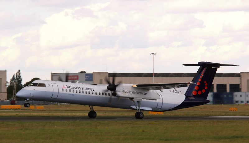 Flybe DHC-8-402 Dash 8, G-ECOK (Brussels Airlines livery)<br /> By Correne Calow.