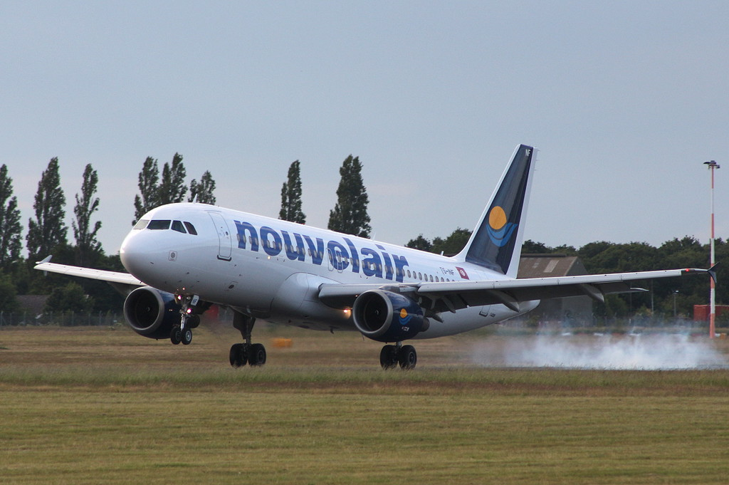 Nouvelair, A320, TS-INF<br /> By Clive Featherstone.