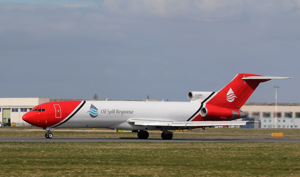 Our resident T2 Aviation, 727-200, G-OSRA was also doing training circuits<br /> By Jim Calow.