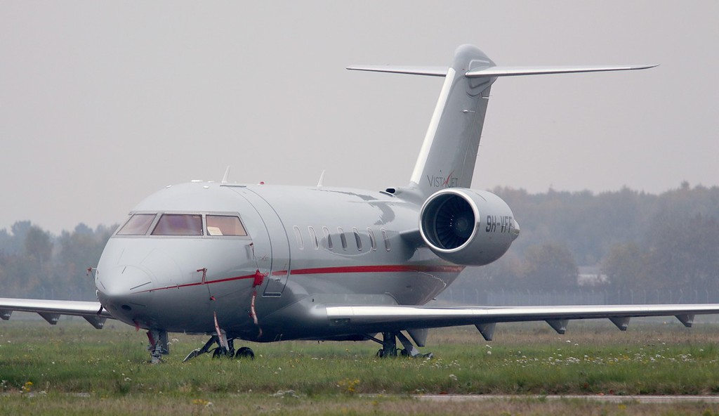 VistaJet CL-600-2B16 Challenger 605 9H-VFF.<br /> By Correne Calow.