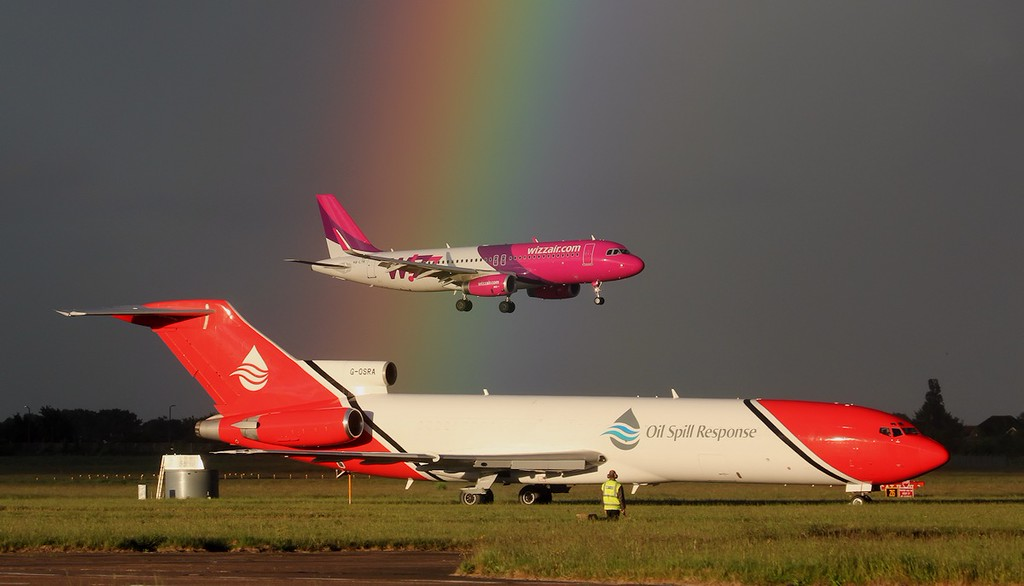 Wizz Air HA-LYK & T2 Aviation 727-200 G-OSRA.<br /> By Jim Calow.