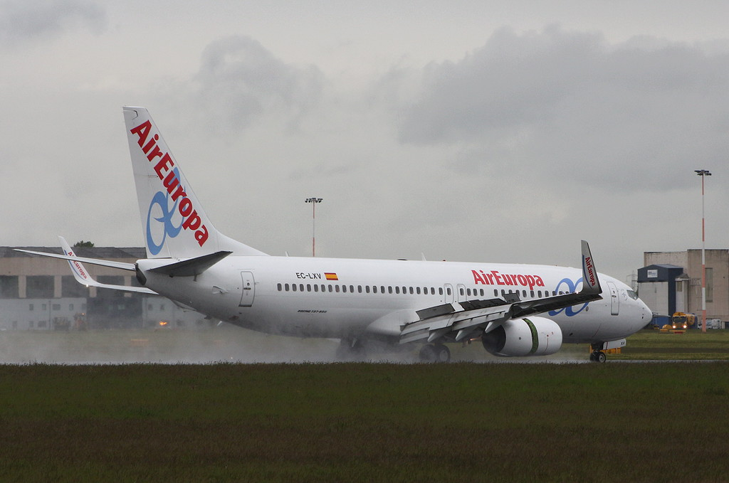 Air Europa, 737-800, EC-LXV<br /> By Clive Featherstone.