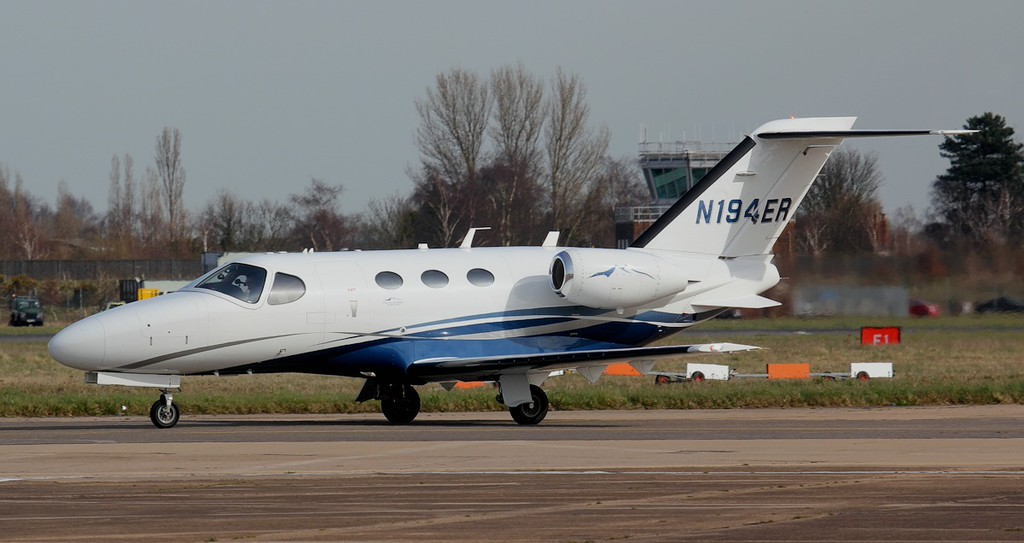 Cessna 510 Mustang N194ER.<br /> By Jim Calow.