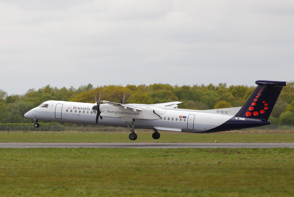 Brussels Airlines (Flybe), DHC-8-400, G-ECOI<br /> By Clive Featherstone.